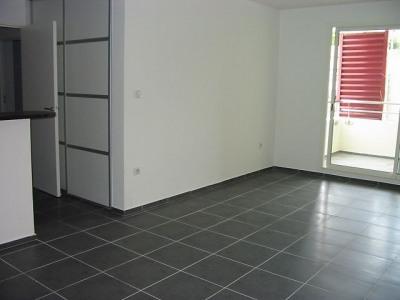 Appartement de type T3 proche Clinique Sainte-Clotilde