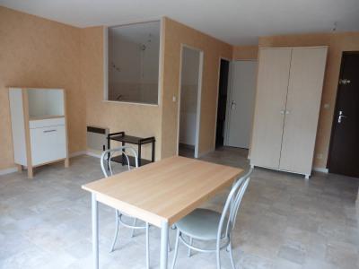 appartement F1 au 1er étage au centre ville de Cosne sur Loire