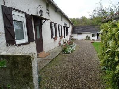 SECTEUR Saint MAXENT Maison comprenant au rez-de-chaussée cuisine, séjour/salon avec cheminée, une chamb ...