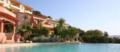 Luxueuse propriété vue mer 2 piscines, 16 chambres Palombaggia