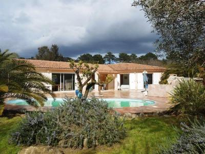 Villa 5 Ch avec piscine dans Rés Privée à Porto Vecchio