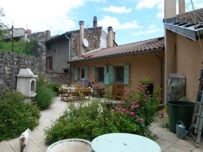 Maison de bourg avec terrasse