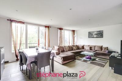 Appartement DÉcines-charpieu 4 pièce(s) 67.16 m2
