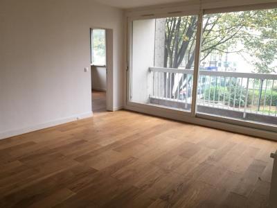 Appartement 4 pièces rénové avec balcon + parking