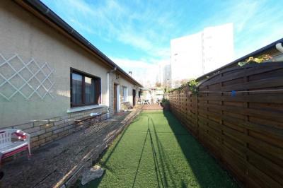 Maison Vaulx En Velin 3 pièce (s) 85 m²