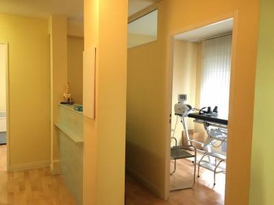 Local pro - aménageable en appartement