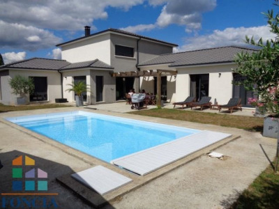 Maison contemporaine 245 m² avec piscine 9 X 4