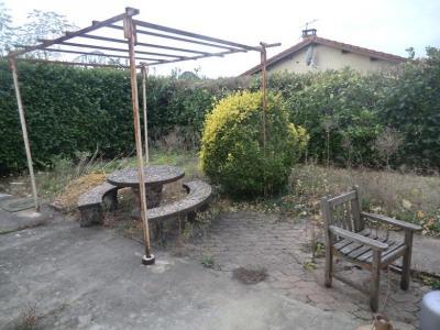 Décines La Soie T4 en rez-de-jardin à aménager