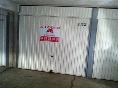 Garage fermé en sous-sol