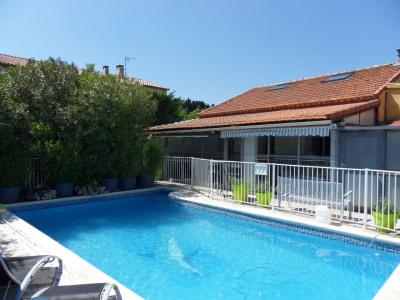 Villa avec piscine avec appartement indépendant attenant