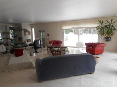 Deluxe sale house / villa Poigny la Foret