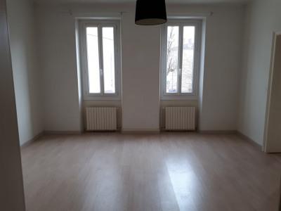 Appartement de type 3 au 1er étage centre bourg