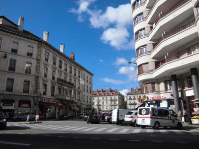 Location Local commercial Grenoble
