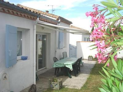 Vacation rental house / villa Vaux sur mer 824€ - Picture 21