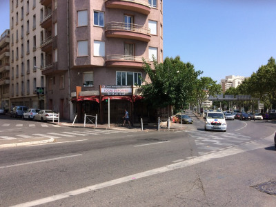 Local commercial - TOULON - 105 m²