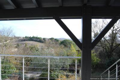 Villa T5 sur 1430 m² de jardin