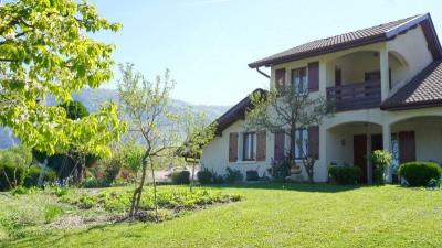Maison sur 1 500 m² de terrain, vue lac Léman