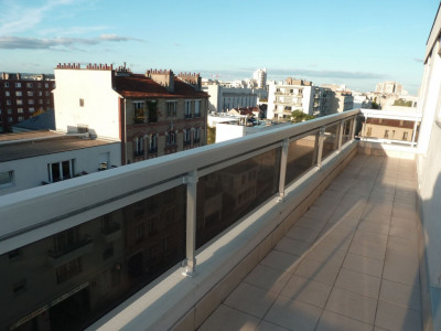 Appartement 2 pièces 45 m² + Balcon + Parking