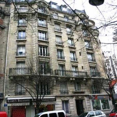 Location appartement Paris 15ème 1234€ CC - Photo 1