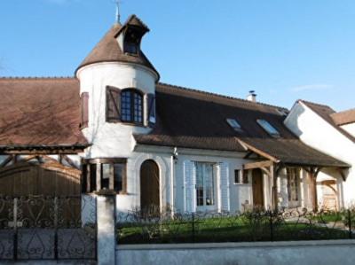 Maison Mouroux 7 pièce (s) 186 m²