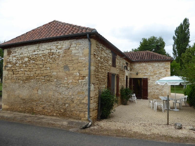 Stone-built property 5 rooms Duravel
