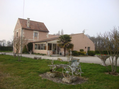 Maison sur terrain de 5 hectares avec étang