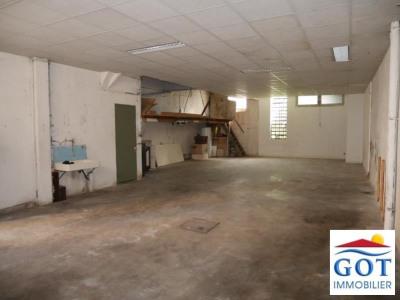 Maison village garage