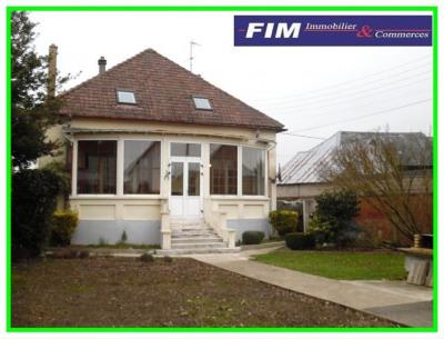 Maison à Friville 4 chambres véranda sous-sol complet 800 m² de