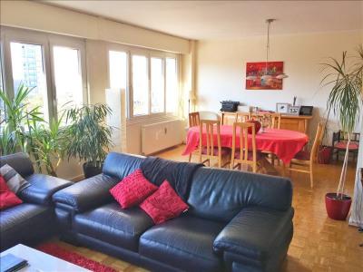 Appartement 5 pièces + balcon