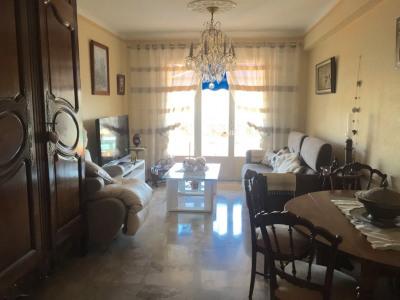 Продажa - квартирa 4 комнаты - Saint Laurent du Var - Photo