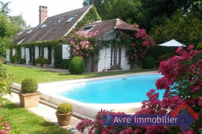 Maison paysanne avec piscine