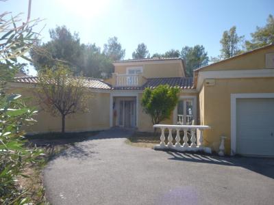 BOULOURIS, Villa récente sur un terrain de 1120m²