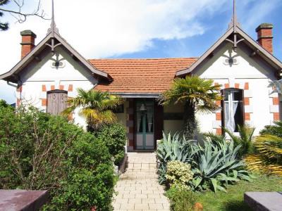 Rare: canaulaise et ses bungalows