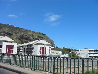 Appartement de type T1 - Bas de La Rivière