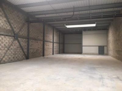 Location Local d'activités / Entrepôt Persan