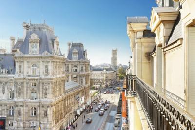 Paris IVe - Rue de Rivoli - Hôtel de Ville