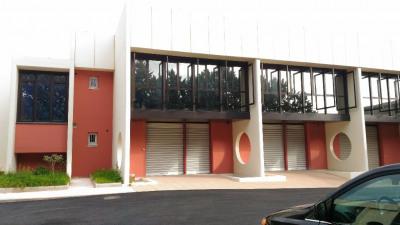 Locaux professionnels / Bureaux - Zi TOULON EST - 254 m²