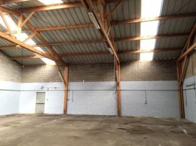 Location Local d'activités / Entrepôt La Ville-aux-Dames 0