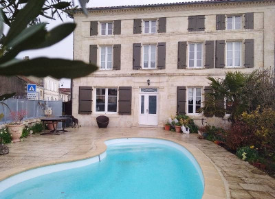 Charente house 6 rooms Entre Cognac et Saintes