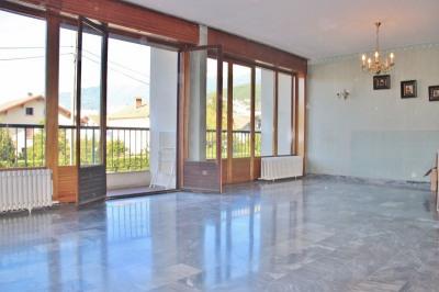 T4 DE 93 m² avec cadre verdoyant sans vis à vis