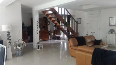 Maison Lesigny 7 pièce (s) 170 m²
