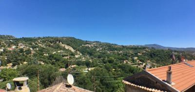 Maison de villages à Contes