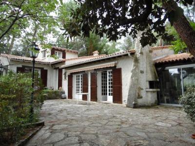 Villa d'architecte sur 2868 m² de terrain divisible
