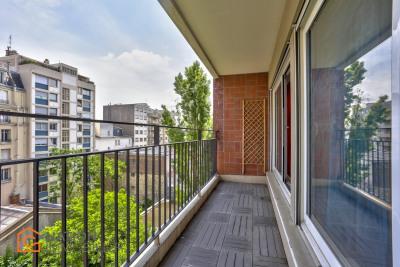 4 pièces + balcon, cave et parking