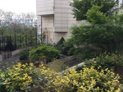 Joli 2pièces meublée avec balcon donnant sur un jardin