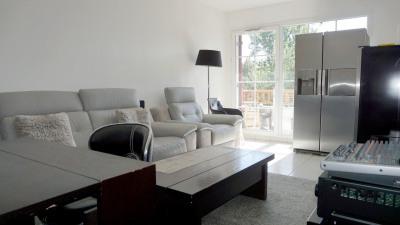 Appartement T2 récent avec locataire en place