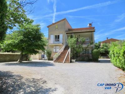 Villa de deux appartements sur 3200 m² terrain