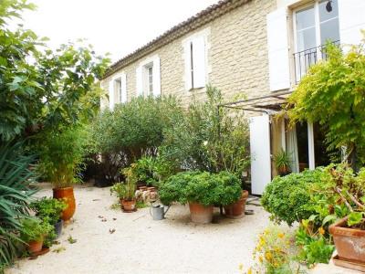 Mas de village P5 avec Jardin et Piscine