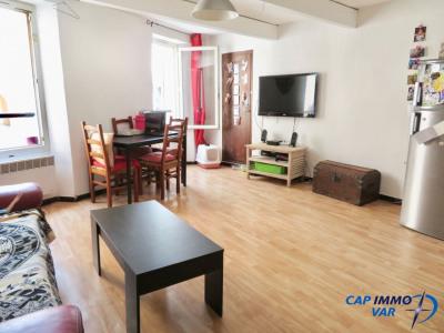 Appartement type 2/3 avec locataire