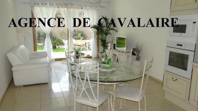 Appartement T 3 sur Cavalaire en rez-de-jardin avec garage